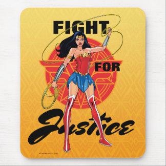 Femme de merveille avec le lasso - combat pour la tapis de souris