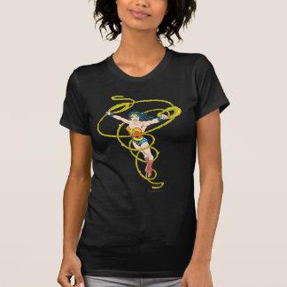 Femme de merveille dans le lasso t-shirt