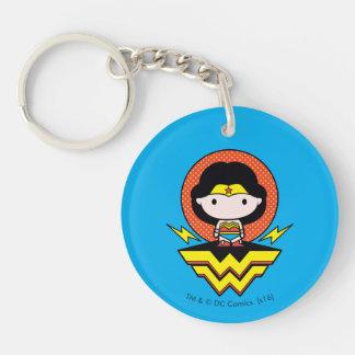 Femme de merveille de Chibi avec le pois et le Porte-clé Rond En Acrylique Double Face