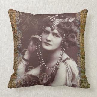 Femme élégante vintage coussin décoratif