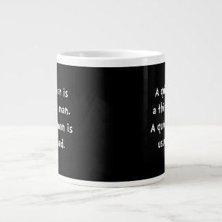 Femme tranquille folle mug jumbo