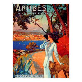 Femme vintage d'Antibes Cote d'Azur et carte Carte Postale