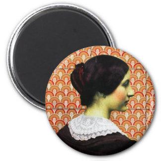 femme vintage magnet rond 8 cm