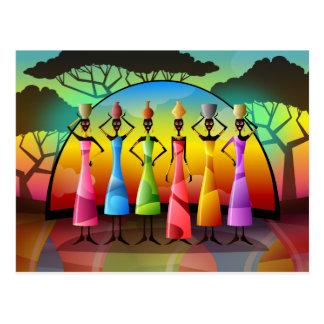 Femmes africaines avec la carte postale de navires