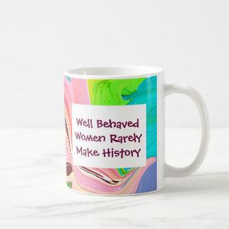 femmes bien comportées mug