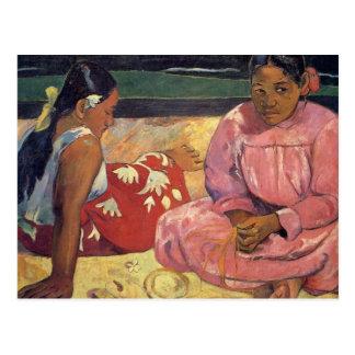 """Femmes de Tahitian sur la carte postale de Gaugui"