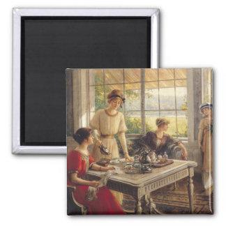 Femmes prenant le thé magnet carré
