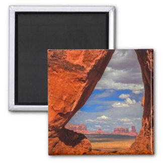 Fenêtre de roche à la vallée de monument, AZ Aimant
