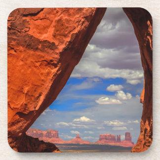 Fenêtre de roche à la vallée de monument, AZ Sous-bocks
