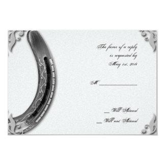 Fer à cheval argenté sur la carte blanche de carton d'invitation 8,89 cm x 12,70 cm