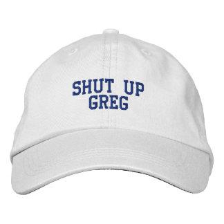 Fermez le casquette de Greg