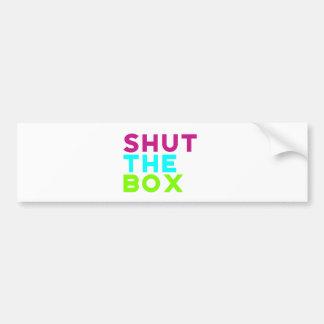 Fermez le logo de boîte autocollant de voiture
