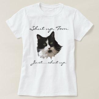 Fermez le T-shirt de chat de Tom