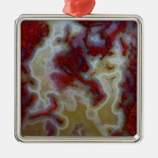 Fermez-vous de la dalle rouge d'agate de mousse ornement carré argenté