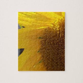 Fermez-vous du tournesol jaune puzzle