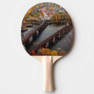 Ferry de harpistes en automne raquette de ping pong
