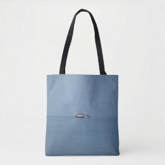 Ferry sur un lac tout plus de - imprimez le sac