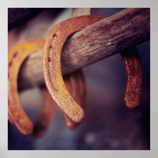 Fers à cheval sur le pays en bois de cowboy de affiches