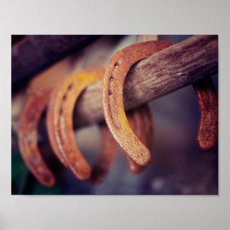 Fers à cheval sur le pays en bois de cowboy de poster