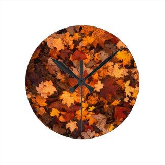 feuillage d'automne horloge ronde