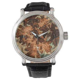 feuillage d'automne orange de feuille d'automne de montres bracelet