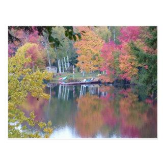 Feuille coloré par automne carte postale