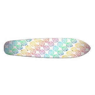 Feuille d'arc-en-ciel plateaux de skateboards customisés