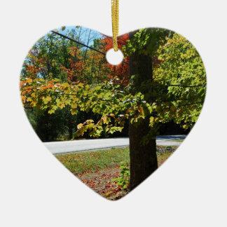 Feuille d'automne au Maine Ornement Cœur En Céramique