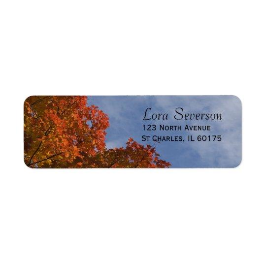 Feuille d'automne et étiquette de adresse de