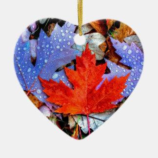 Feuille d'automne ornement cœur en céramique