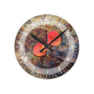 Feuille d'automne sur la roche, la Californie Horloge Ronde