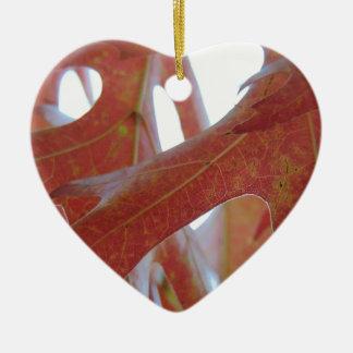Feuille de chêne d'automne ornement cœur en céramique