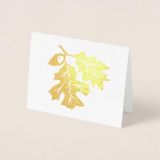 Feuille de chêne et carte d'or d'aluminium de