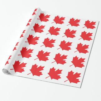 Feuille d'érable canadienne de drapeau de jour du papier cadeau