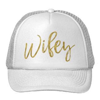 Feuille d'or de Wifey et casquette blanc de
