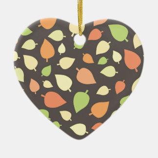 Feuille moderne d'automne ornement cœur en céramique