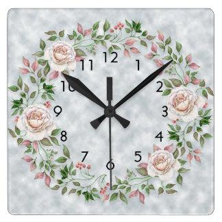 Feuille vert floral rose sur l'horloge murale horloge carrée