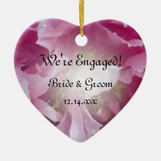 Fiançailles rose de fleur de pivoine ornement cœur en céramique