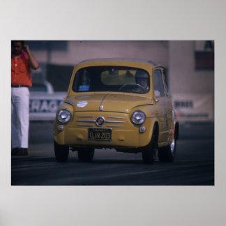 Fiat 600 - Petit tueur géant - entrave vintage Poster