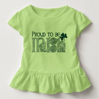 Fier d'être irlandais, noeud de Celtic de Jour de T-shirt Pour Les Tous Petits