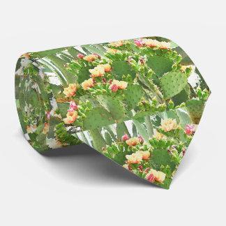 Figuier de barbarie dans la cravate de fleur