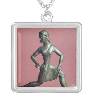 Figurine d'un fonctionnement de fille, pendentif carré