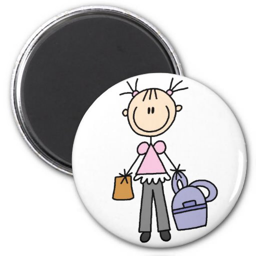 Fille avec l'aimant de sac à dos