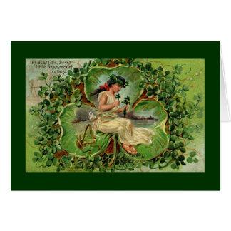 Fille avec l'harpe et les shamrocks carte de vœux