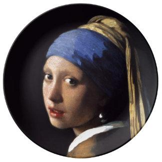 Fille avec une boucle d'oreille de perle par Johan Assiette En Porcelaine