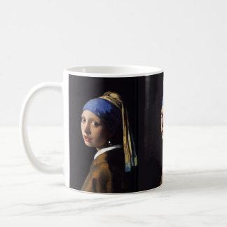 Fille de Johannes Vermeer avec une boucle Mug