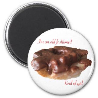 Fille de mode de chocolat de beignet vieille magnet rond 8 cm