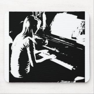 Fille de piano tapis de souris