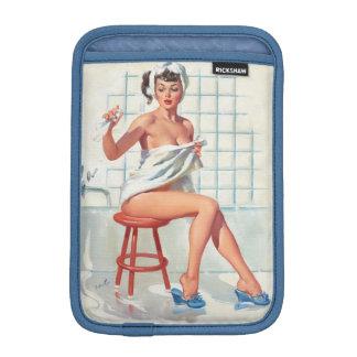 Fille de pin-up de salle de bains sexy de pigeon housse iPad mini