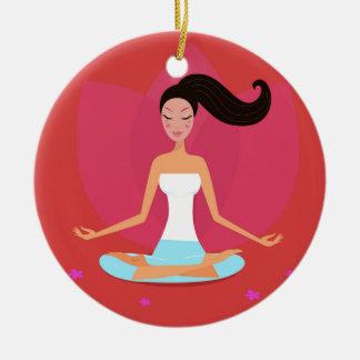 Fille extraordinaire de yoga : T-shirt créatif Ornement Rond En Céramique